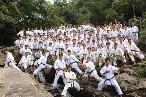 Le dojo Nghia Dung Karate-Do a Hue, une veritable ecole de vie hinh anh 2