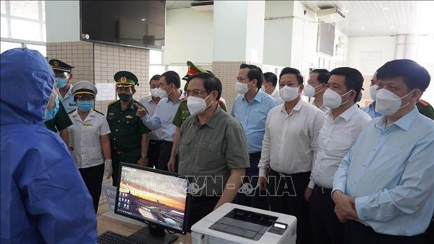 Le PM demande a Tay Ninh et Long An de durcir les mesures anti-Covid-19 hinh anh 1