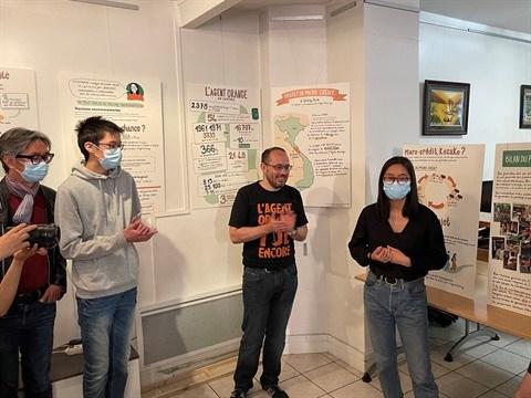 Les dessins graphiques sur l'agent orange au Vietnam exposes en France hinh anh 1