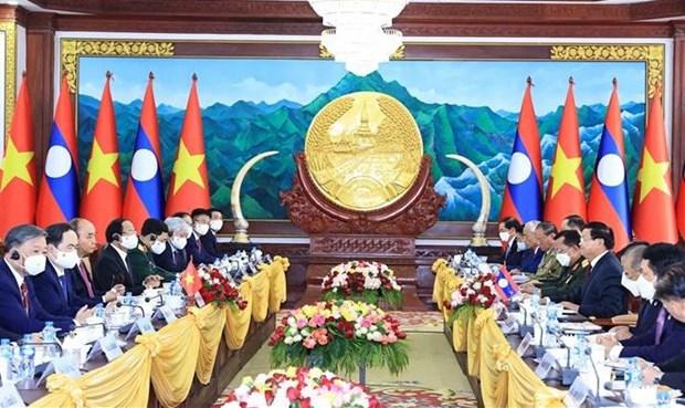Le president vietnamien s'entretient avec son homologue lao a Vientiane hinh anh 1