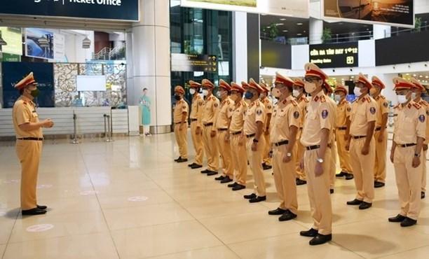 COVID-19 : le ministere de la Securite publique envoie des renforts au Sud hinh anh 1
