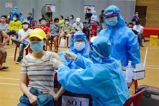 Covid-19 : le Vietnam enregistre 12.420 nouveaux cas en 24 heures hinh anh 1