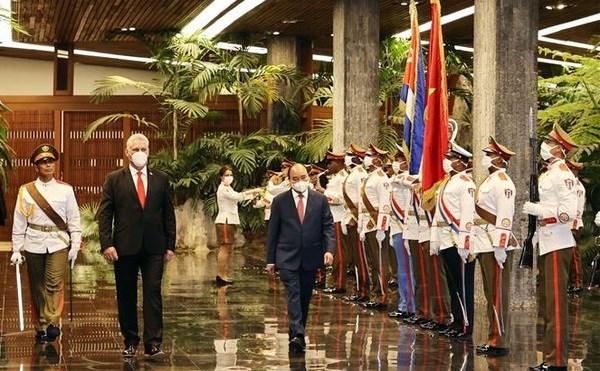 Voyage du president vietnamien a Cuba et aux Etats-Unis - grand succes de la diplomatie vaccinale hinh anh 1