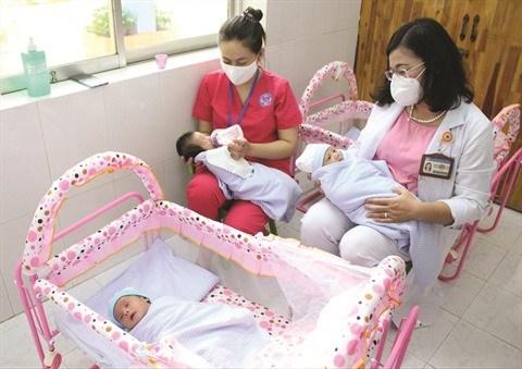 Les bebes de meres atteintes du coronavirus dans les bras de l'amour hinh anh 1