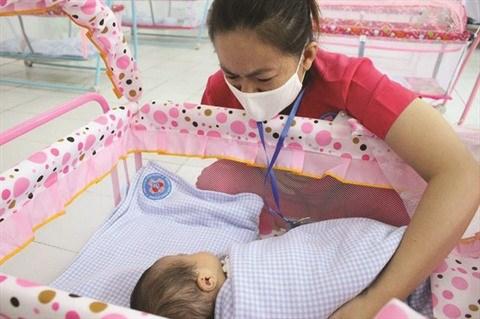 Les bebes de meres atteintes du coronavirus dans les bras de l'amour hinh anh 2