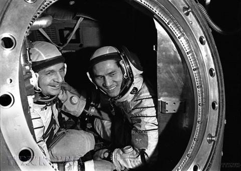 Le premier cosmonaute vietnamien inspire les etudiants du spatial hinh anh 2