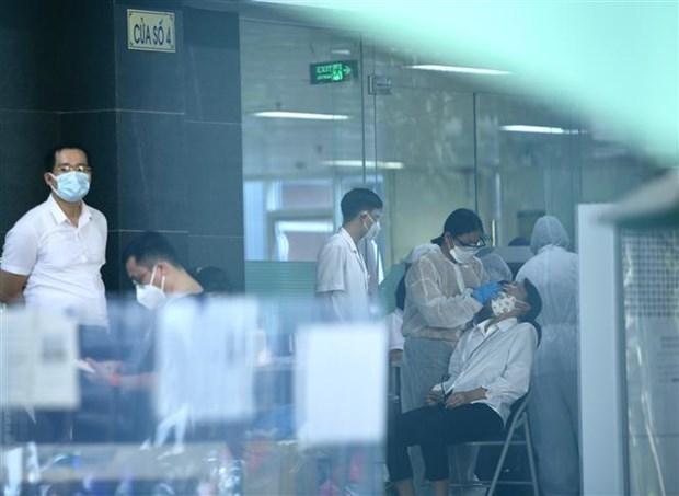 Covid-19 : pres de 4.800 nouveaux cas dans 42 localites en 24 heures hinh anh 1