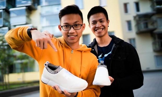 Deux staruppers vietnamiens en Finlande trouvent chaussure a leur pied hinh anh 1