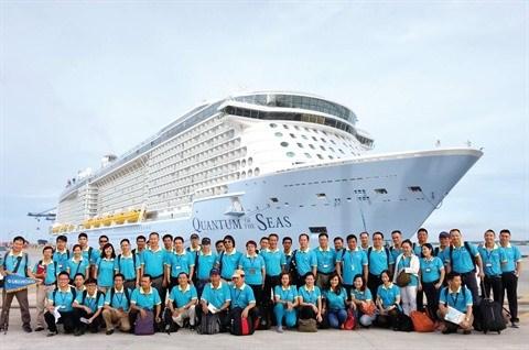 Saigontourist Travel accueille des milliers de croisieristes etrangers hinh anh 1