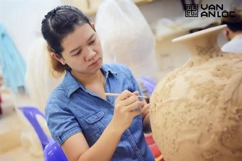 Vu Nhu Quynh et son choix ose pour la ceramique hinh anh 1