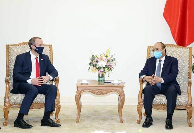 Le PM Nguyen Xuan Phuc recoit le ministre britannique des Affaires etrangeres hinh anh 1