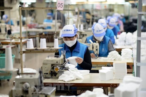 Un ministre propose d'elargir les beneficiaires du paquet d'aide de 62 billions de dongs hinh anh 1